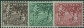 NZ SG755-7 Children picking Apples health set of 3